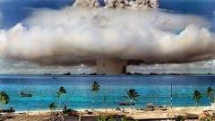 Teste de bomba nuclear no atol de Bikini (1946)