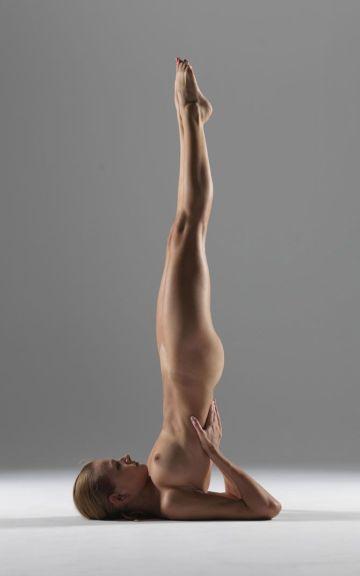 Yoga Shoulder, back-assisted Inversion