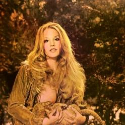Preserve Wildlife - Mama Lion (1972)
