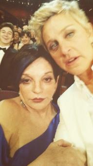 Ellen faz um selfie com Liza Minnelli