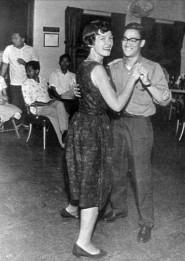 Bruce Lee dançando