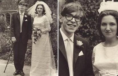 Stephen Hawking com sua esposa, Jane Wilde, antes de se agravarem os sintomas da esclerose lateral amiotrófica (ELA), uma rara doença degenerativa que paralisou seus músculos e o pôs em uma cadeira de rodas